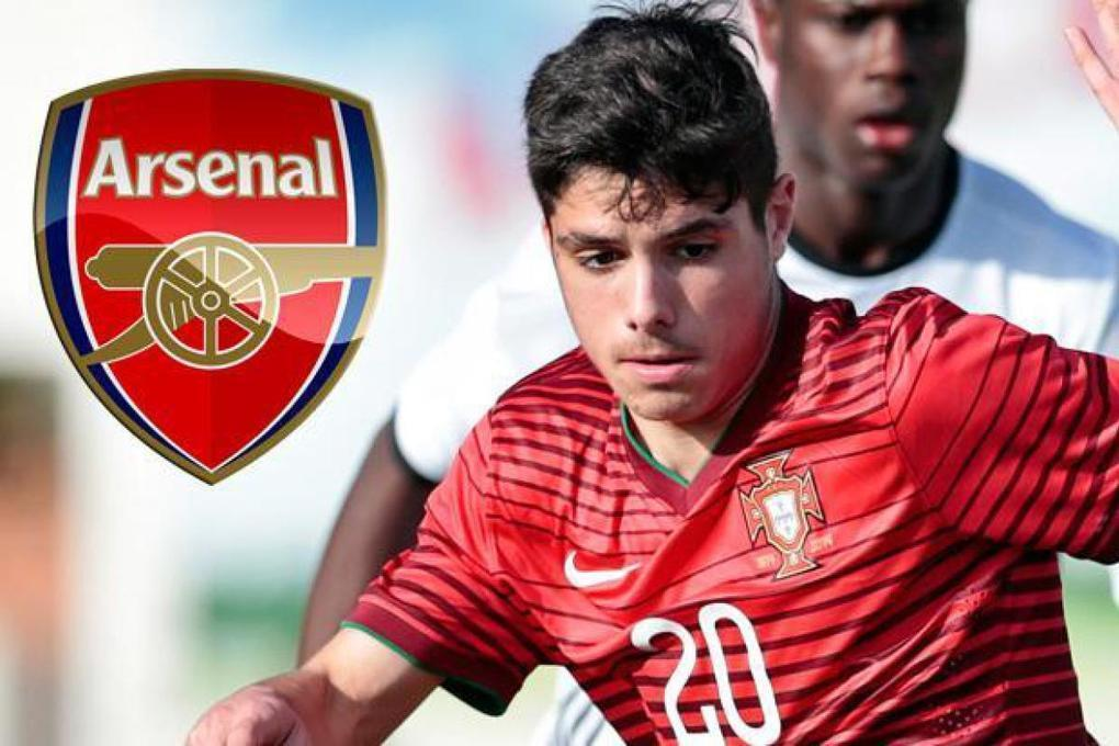 Arsenal face losing out to Barcelona for Portuguese talent