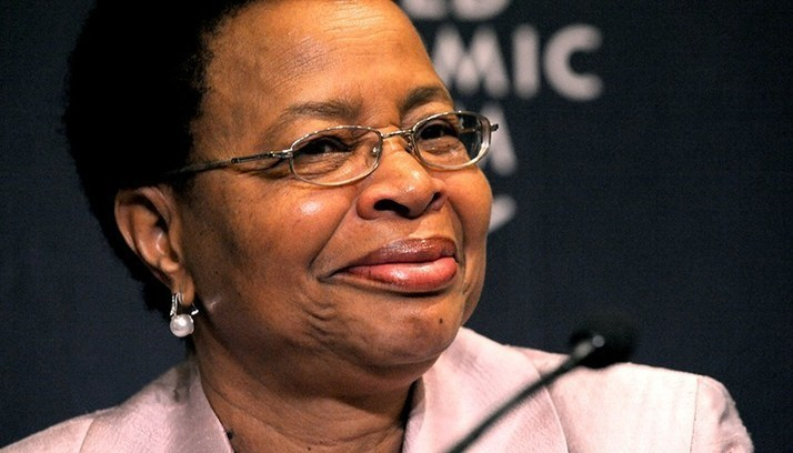 "Graça Machel to be Honored with ""Diamonds Do Good"" Award 