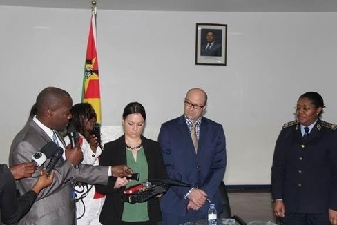 US gives Mozambique technology to detect fake passports - nsnbc international