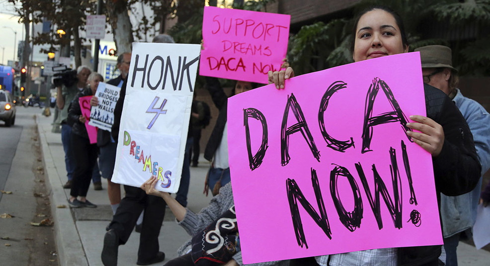 Feds resume accepting renewals from 'Dreamers'