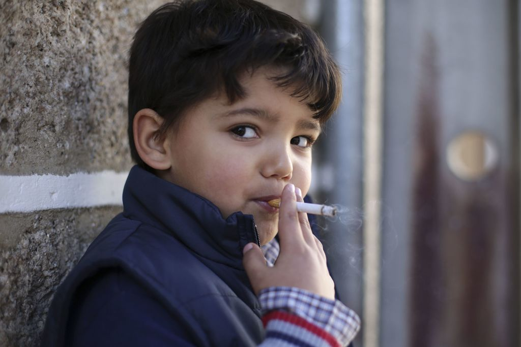 Portuguese town encourages children to smoke at Epiphany
