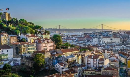 Travel: Summer study in Lisbon open to all university majors – UMass Lowell, MA