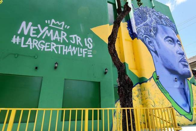 Brazilian soccer star Neymar hosts 5-on-5 soccer tournament in Miami