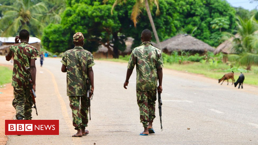 Mozambique 'jihadists behead' villagers