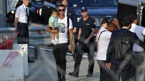 Cristiano Ronaldo Lands In Turin With Girlfriend Ahead Of First Juventus Training