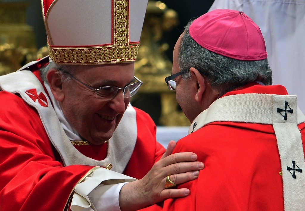 Pope personally thanks Portuguese cardinal for Amoris guidelines