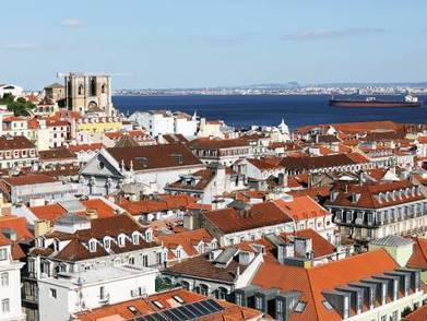 Why residents spend sleepless nights over tourists in the Portuguese capital Lisbon | GulfNews.com