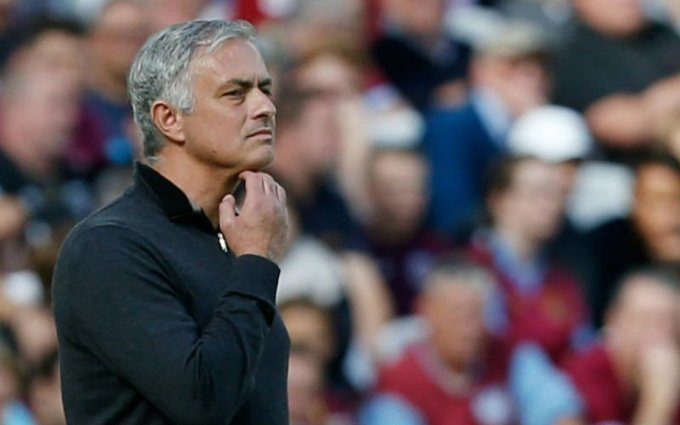 Under-pressure Mourinho defends Martial move after loss to West Ham