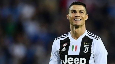 Cristiano Ronaldo news: Seven more years of Juventus star? Portuguese backed by Giorgio Chiellini to play until he is 40 | Goal.com