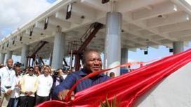 New bridge spans Mozambique capital Maputo