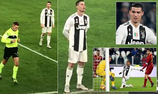 Cristiano Ronaldo stands and stares at referee as he looks at VAR | Daily