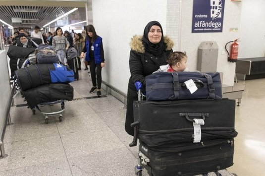 First group of resettled refugees arrives in Portugal