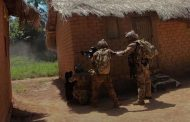 Watch: Portuguese paratroopers raid rebel base in Central African Republic | Euronews