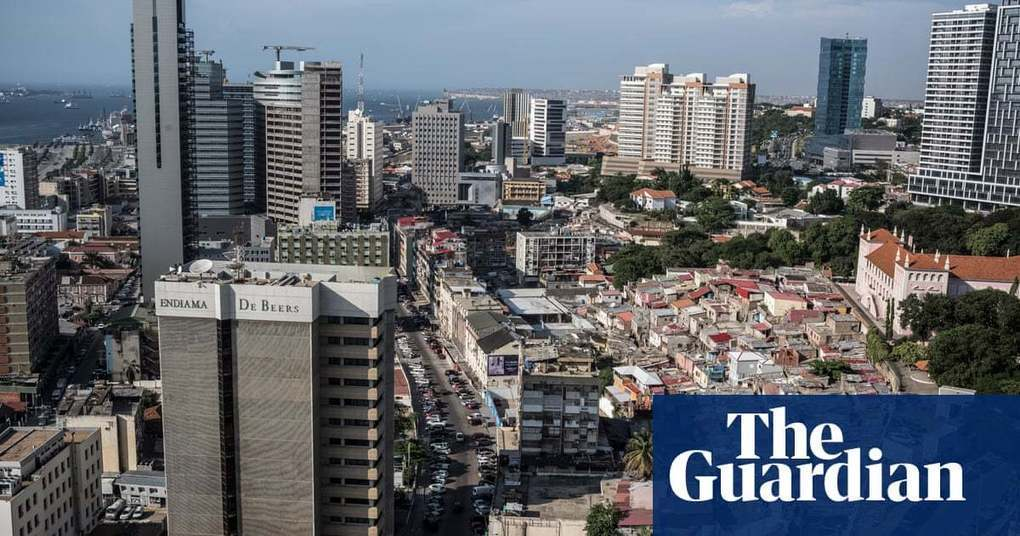After the oil boom: Luanda faces stark inequality – photo essay | Cities | The Guardian