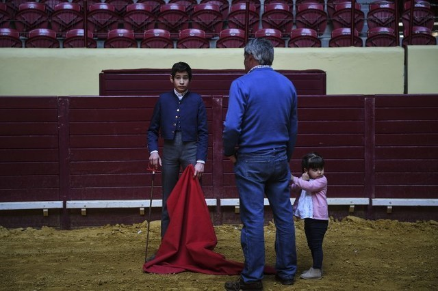 Portugal's bullfighting culture woos kids to boost its audience