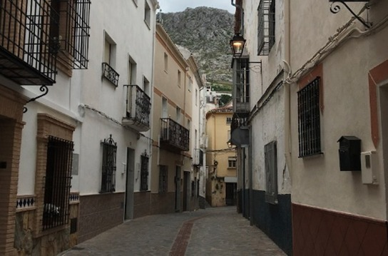 Don't let a low budget stop you looking for a home in Spain or Portugal – the hillside option