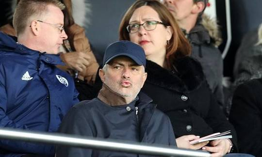 Jose Mourinho returns to west London to cast his eye over Fulham at Craven Cottage | Daily