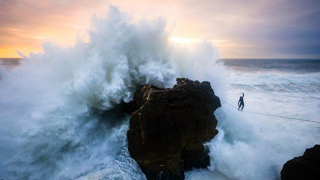 Slacklining Through the Waves of Nazaré