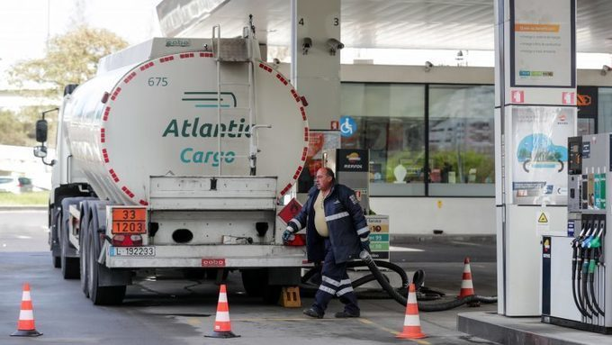Striking fuel-tanker drivers put Portugal at risk of energy crisis –