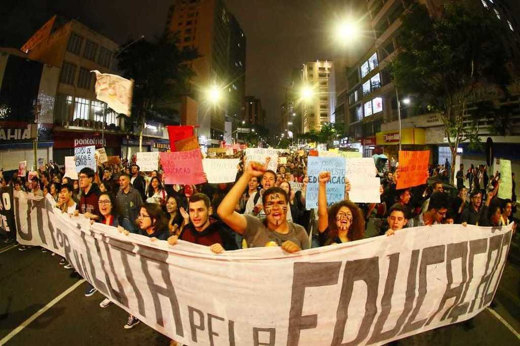 Brazil: towards an uneducated country