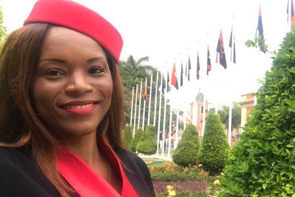 Ex-Angolan president's daughter 'flees' country -