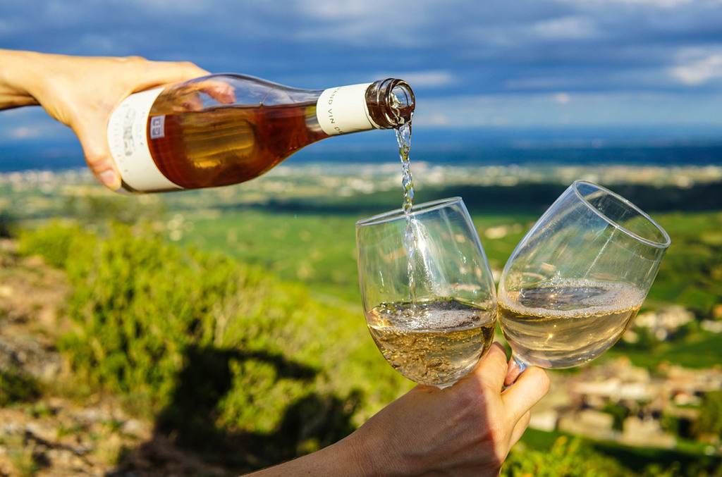 White wines for summer:  tastings