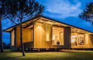carlos castanheira expands barrocas house in portugal