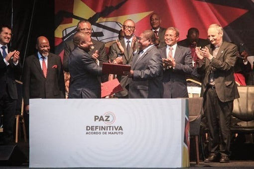 Mozambique Peace Accord Is Signed, Paving Way for Elections - The New York Times -
