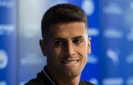 New Man City signing Joao Cancelo discusses right-back competition with Kyle Walker - Manchester Evening News -