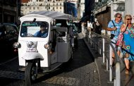 Portugal tries to lure emigrants back - Golden handshake -