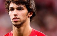 Joao Felix: Cristiano Ronaldo comparisons 'unfair' says Benfica boss -