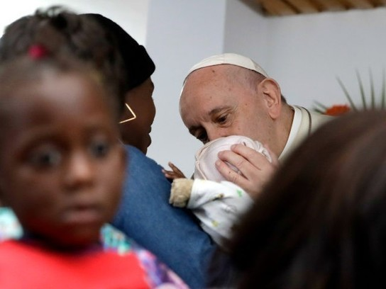 Pope Francis Tells Mozambique Patients the Earth Is Sick, Too -