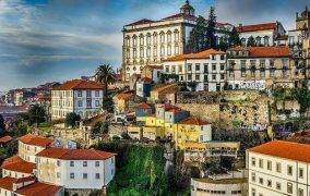 The top 5 reasons to have a Bachelor night in Portugal -