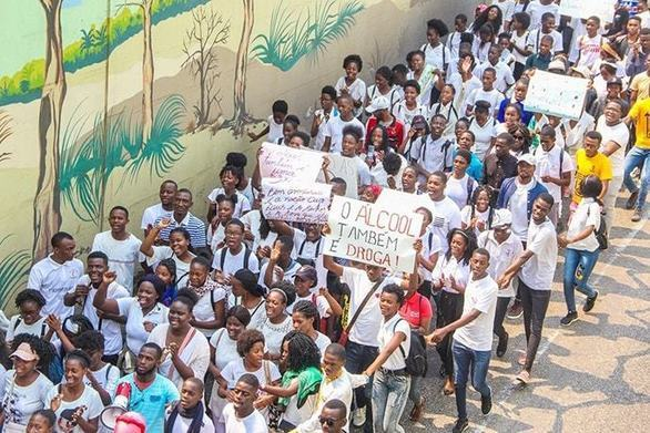 Young people march for change in Angola -
