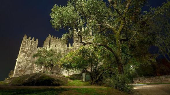 Castelo de Guimarães (Guimarães Castle) – Guimarães, Portugal -