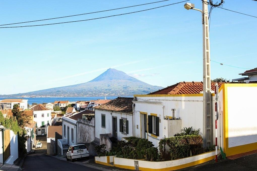 Por Caminho: Horta, Faial, Azores Photo Collection –