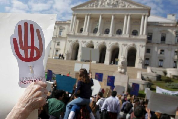 Portugal votes to legalize euthanasia despite protests from church groups - ABC News -