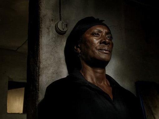 'Vitalina Varela' Review: A Widow Grieves in Endless Night - The New York Times -
