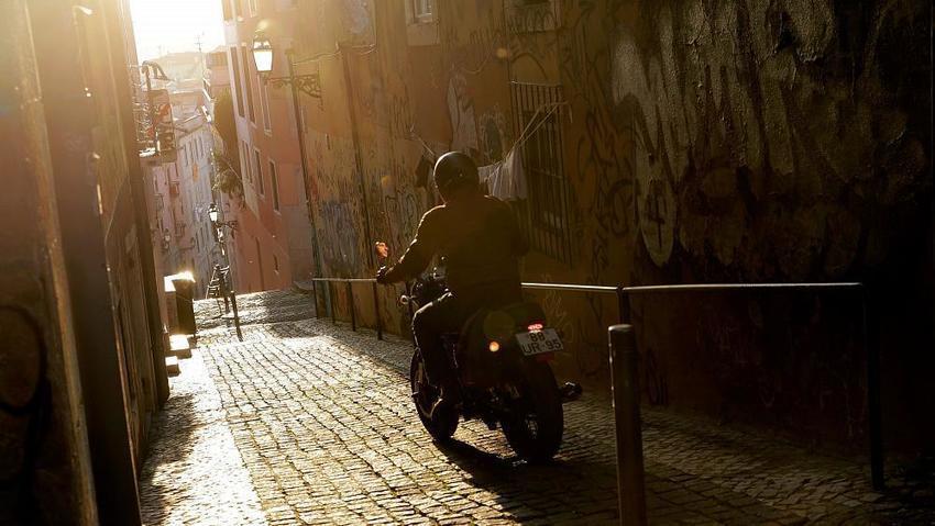 Coronavirus: Portugal grants temporary citizenship rights to migrants  