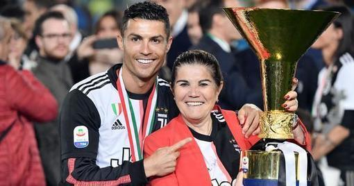 Cristiano Ronaldo skips Juventus' training session and flies to Portugal after mother suffers stroke -