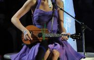 Why Taylor Swift is making the ukulele cool again -