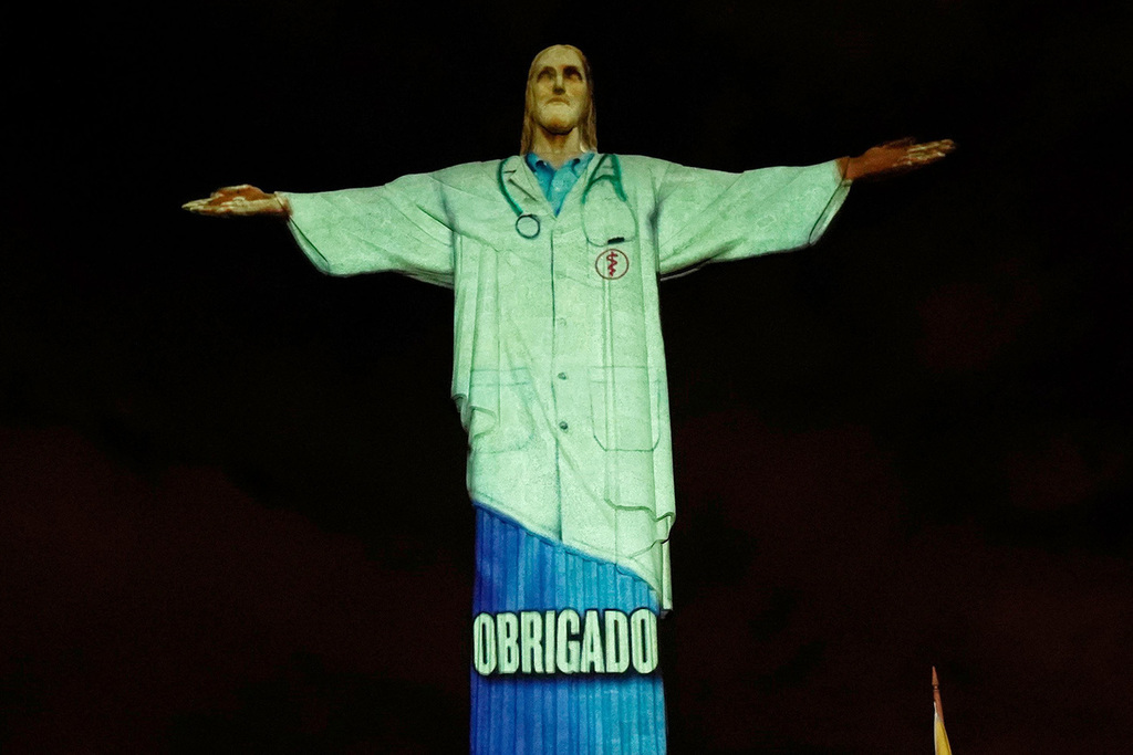 Christ the Redeemer Statue Honors Health Care Workers Amid Coronavirus -