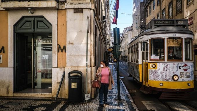 Portugal's coronavirus cases grow, half a million workers at risk of lay off –
