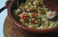7 Ways the World Transforms Leftover Bread into Delicious Dishes and Drinks -Açorda -