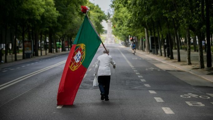 Portugal pushes ahead with plans for state-owned development bank –