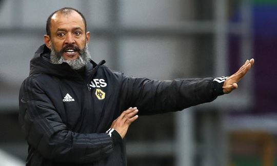 Wolves boss Nuno Espirito Santo 'stalling on signing a new three-year deal at the Midlands club' | Daily -