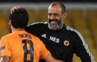 Nuno Espirito Santo: Wolves manager signs new three-year deal -