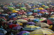 Quarantine-weary Brazilians head to beaches despite warnings -
