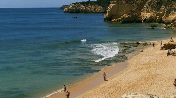 """Portugal """"wants to reopen for tourism in May"""" -"""