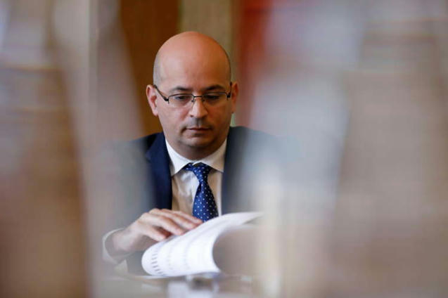 Portugal to maintain COVID aid for companies, families 'at all costs' -
